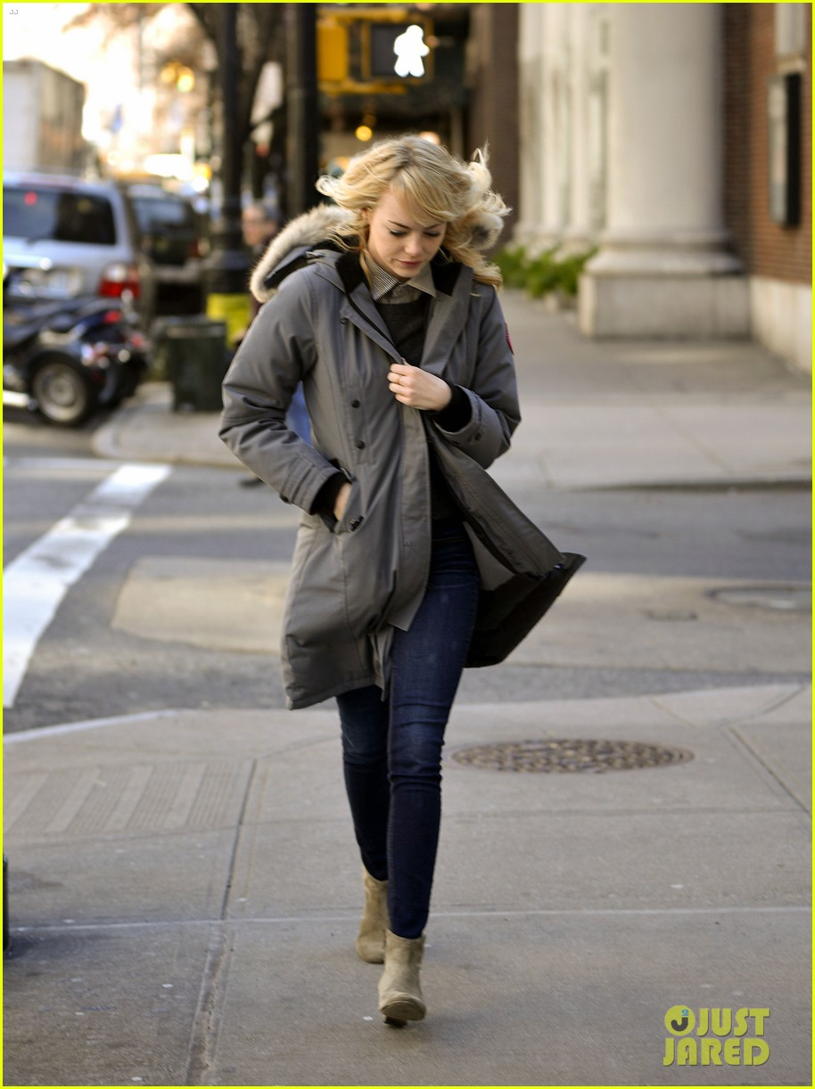 emma stone andrew garfield bundle up in canada goose 15
