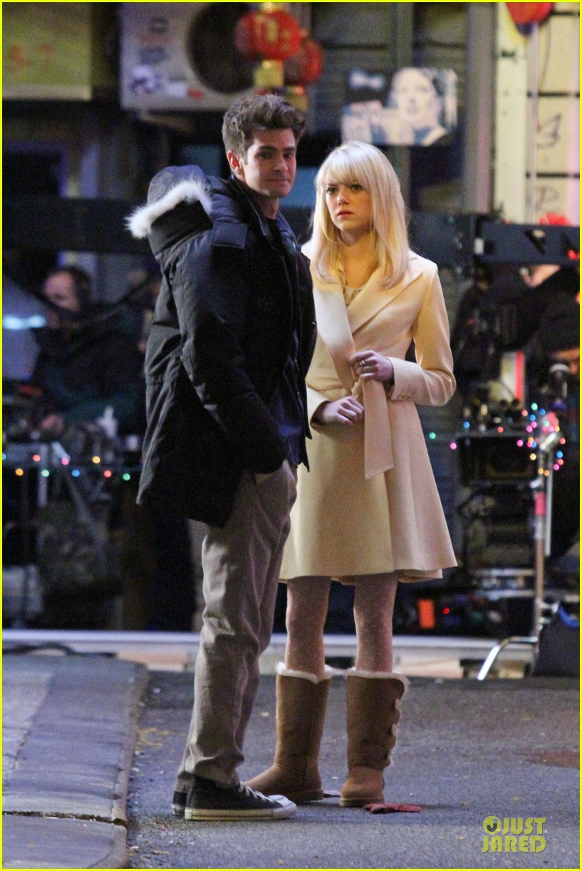emma stone andrew garfield scene stealing couple on amazing spiderman 2 set 02