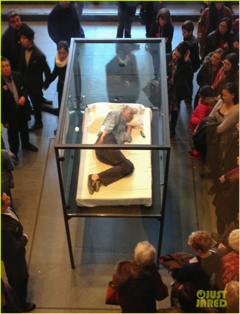tilda swinton sleeps in glass box at the moma photos 112836780