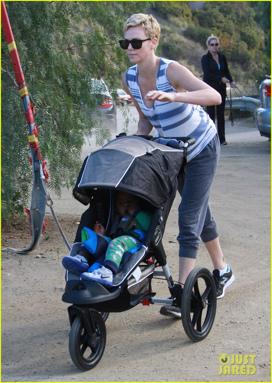 charlize theron runyon canyon hike with jackson 142831173
