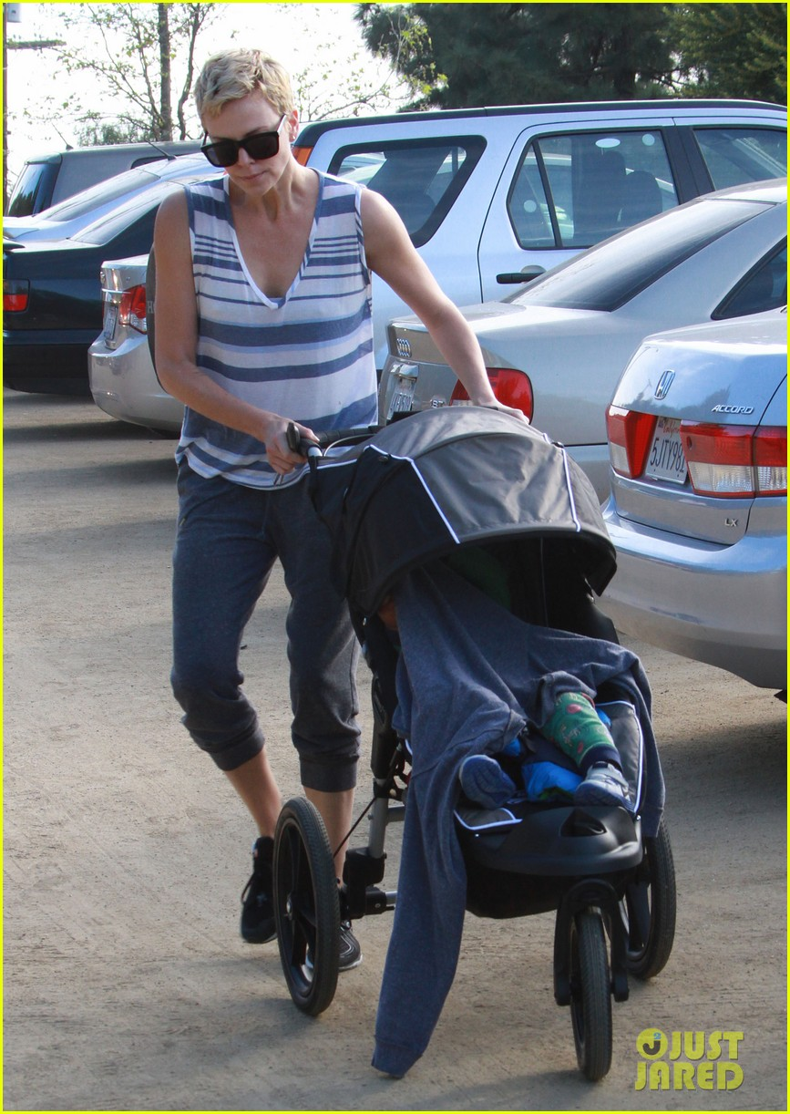 charlize theron runyon canyon hike with jackson 182831177