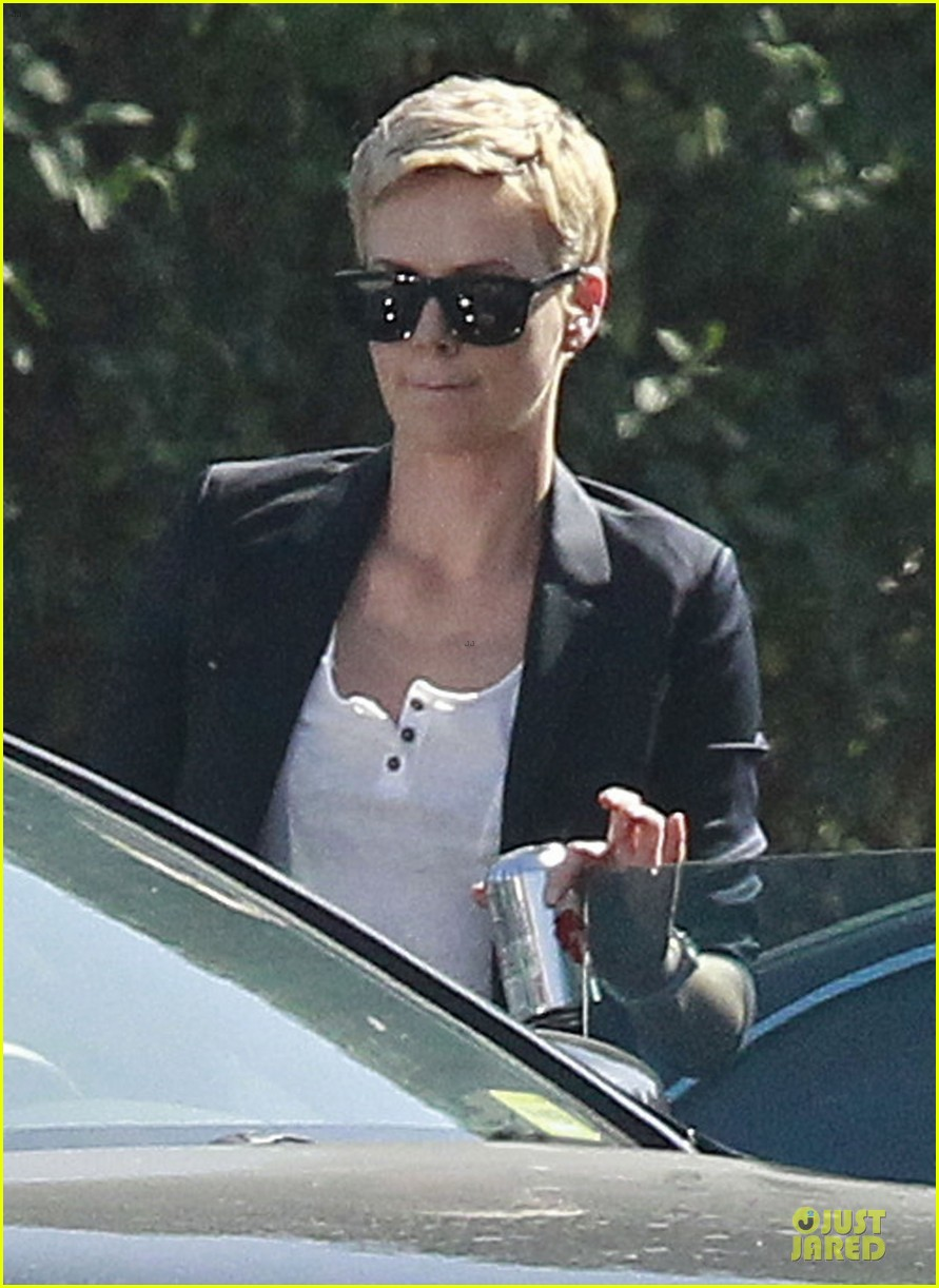 charlize theron disney studios meeting 06