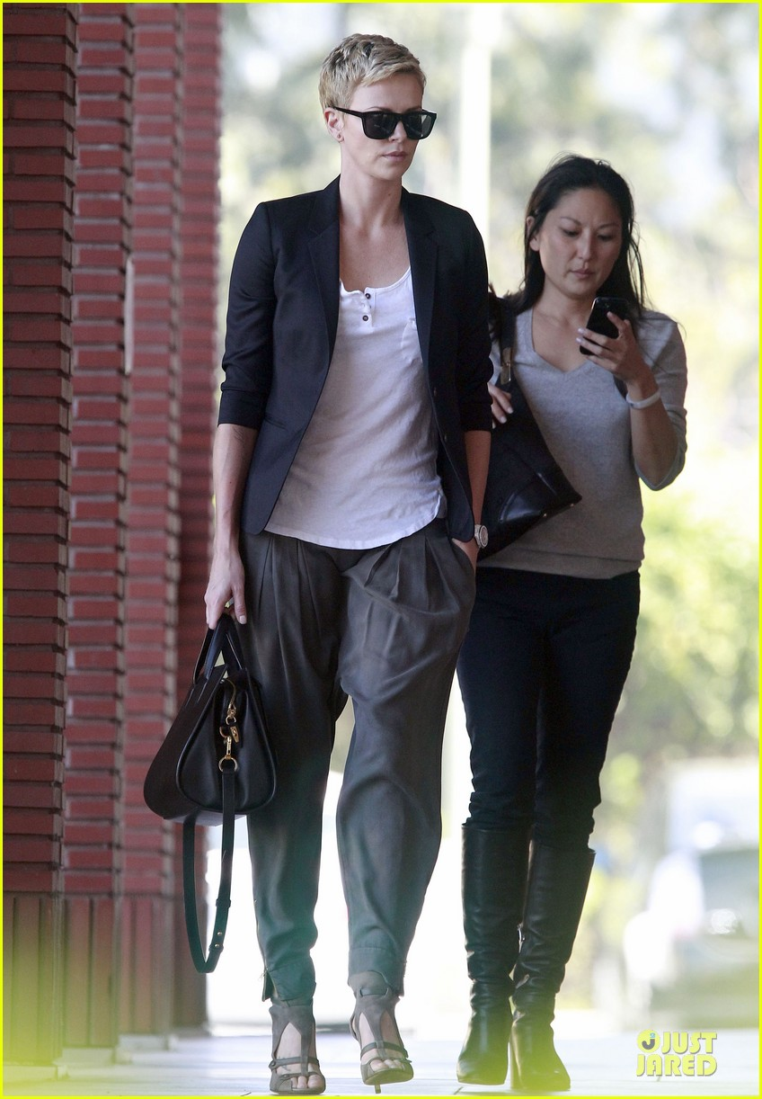 charlize theron disney studios meeting 182831351