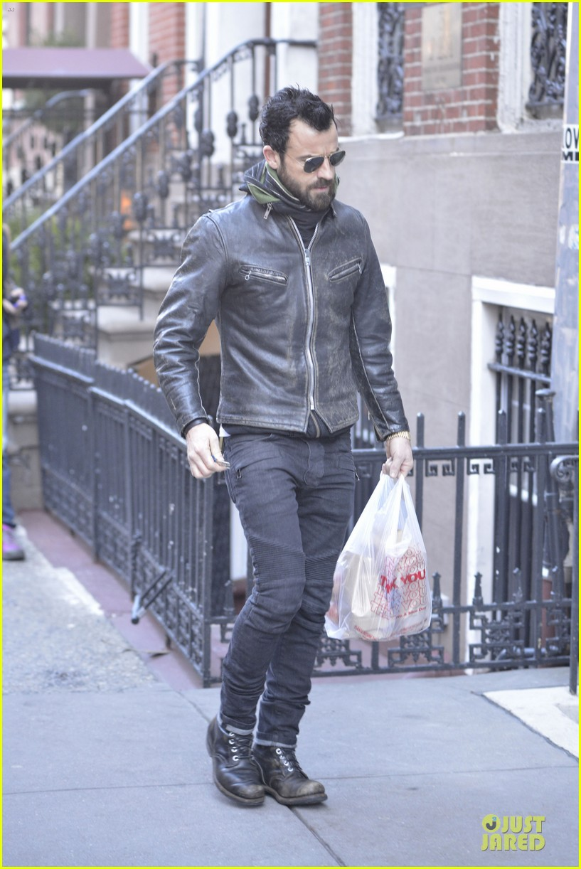 justin theroux is great guy raves chelsea handler 042827823