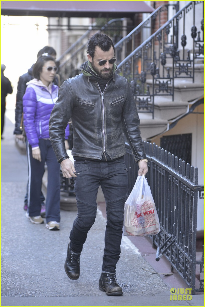 justin theroux is great guy raves chelsea handler 052827824