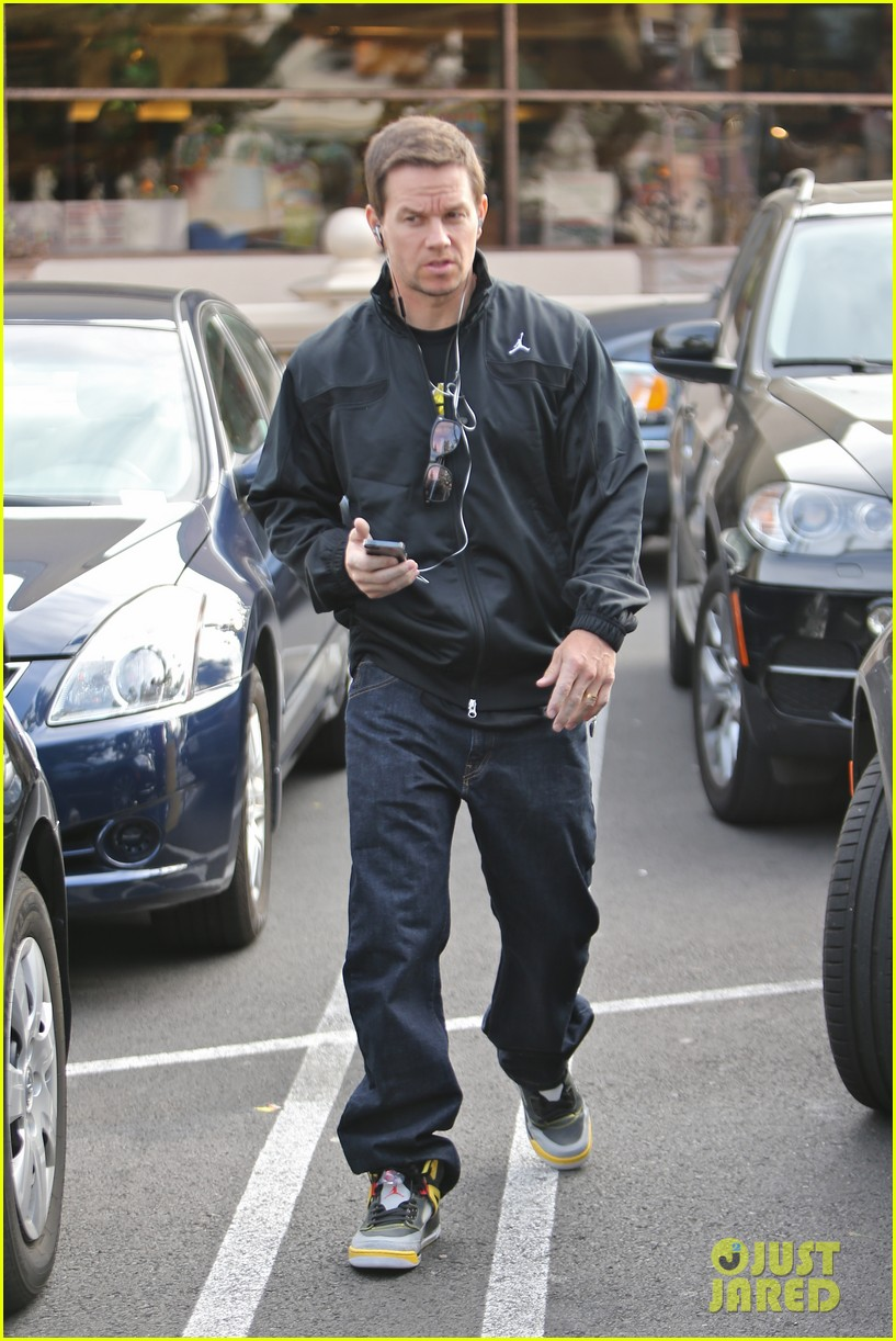 mark wahlberg funky bunch reunion in the works 142826742