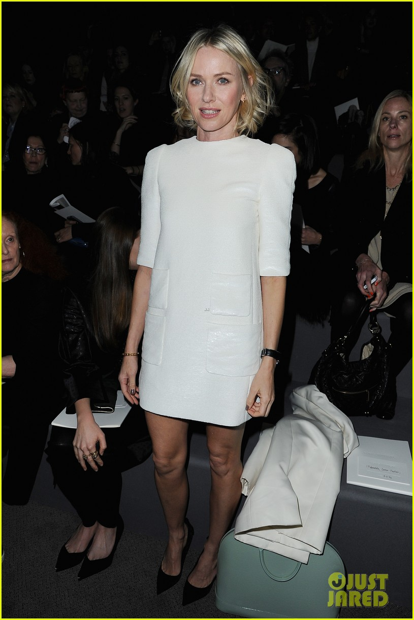 naomi watts jessica chastain louis vuitton fashion show 012825979