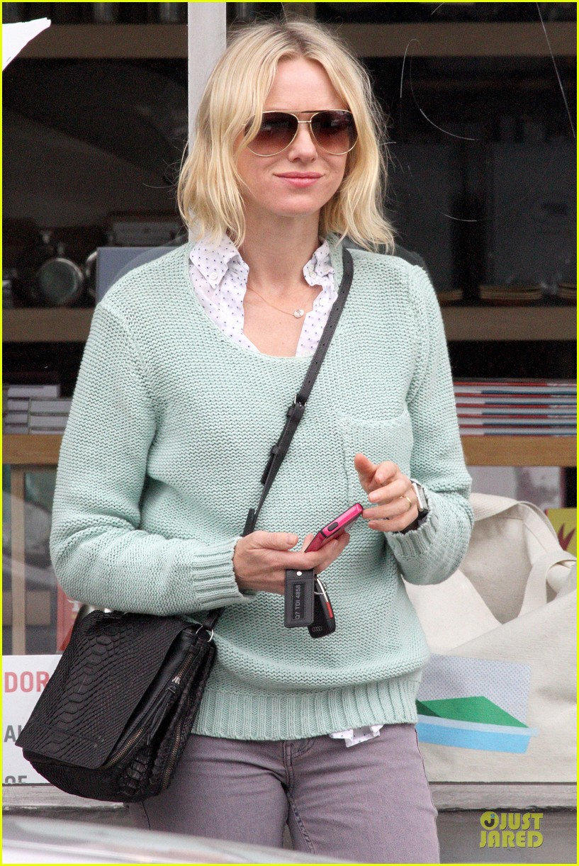 naomi watts neighboring visit with the boys 042831442