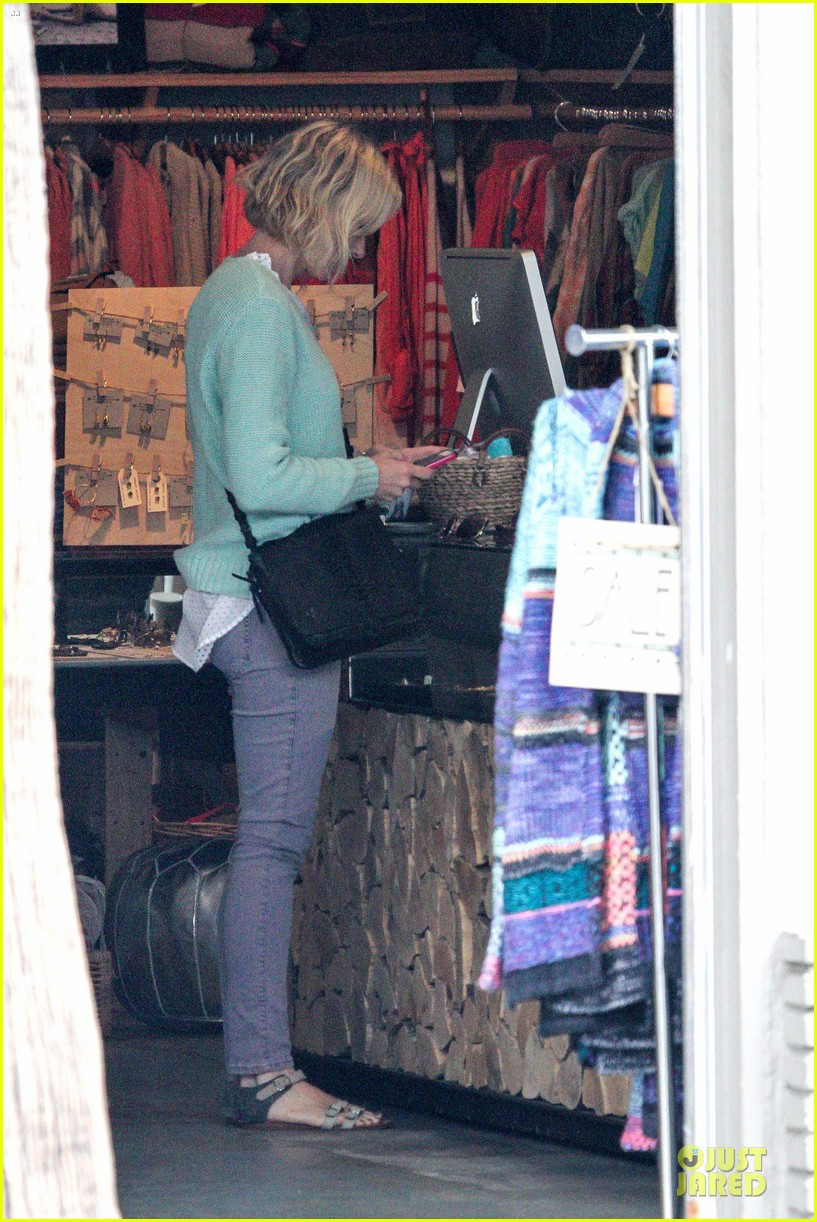 naomi watts neighboring visit with the boys 21