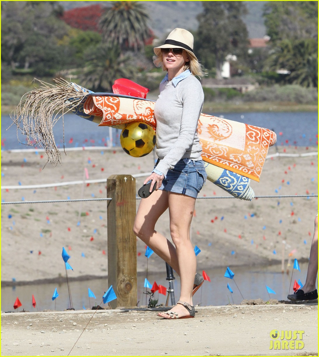 naomi watts shirtless liev schreiber family beach day 222836809
