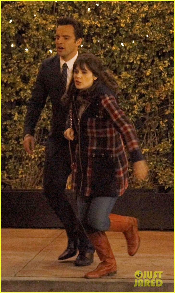 zooey deschanel beso new girl filming 03