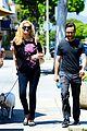 joseph gordon levitt dog walk with kristen johnston 01