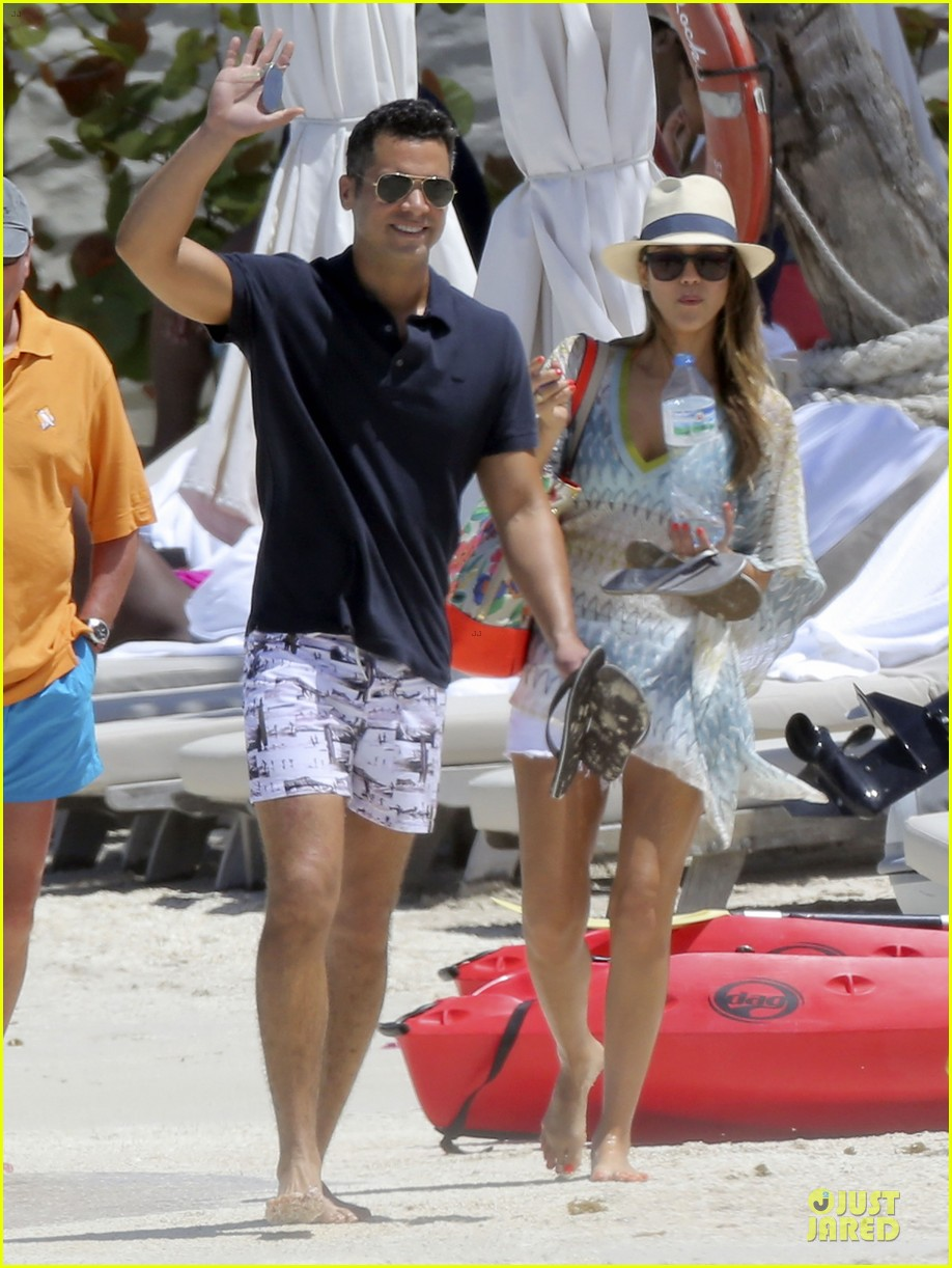 jessica alba st barts bikini babe with shirtless cash warren 05
