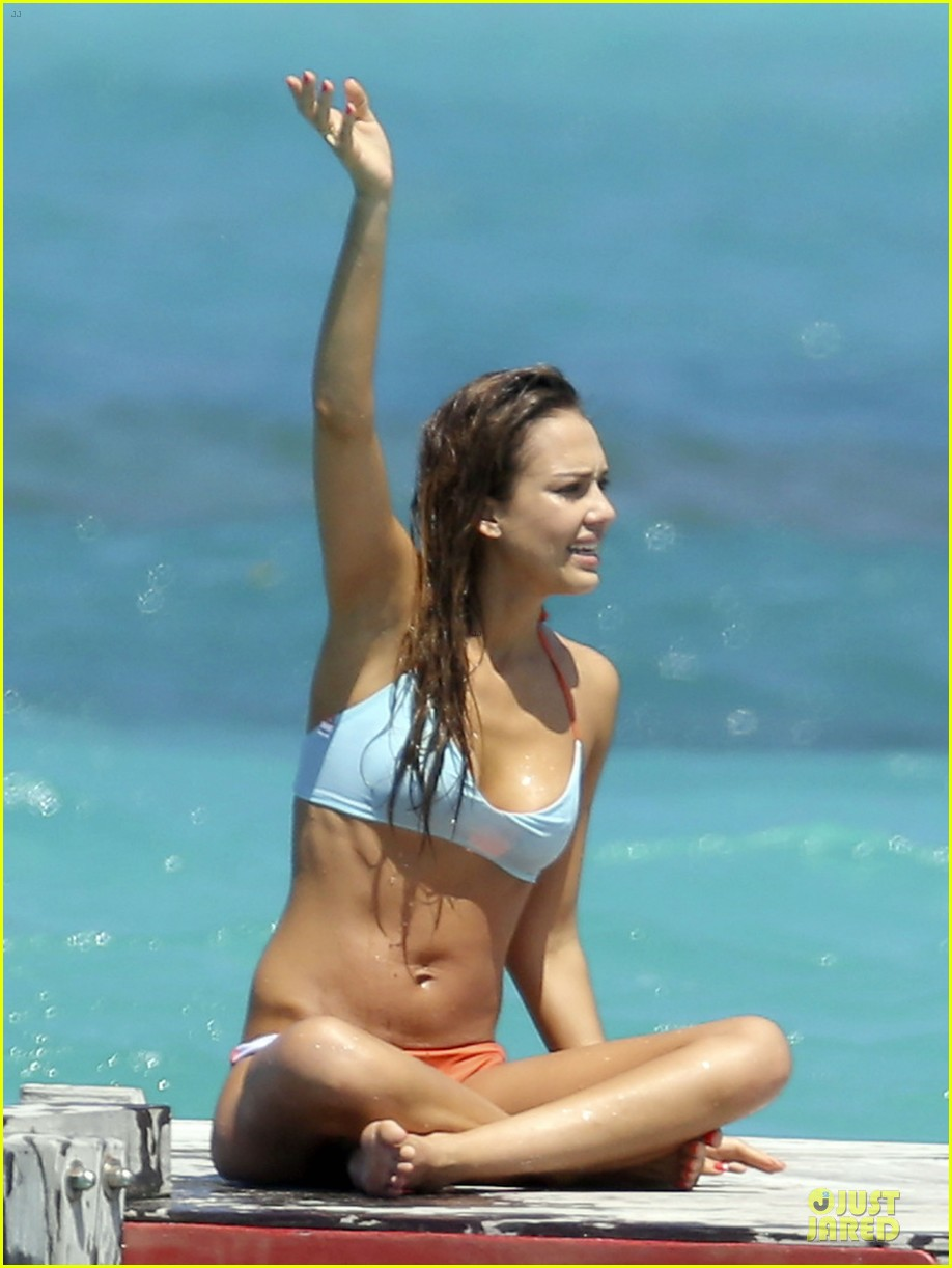 jessica alba st barts bikini babe with shirtless cash warren 11