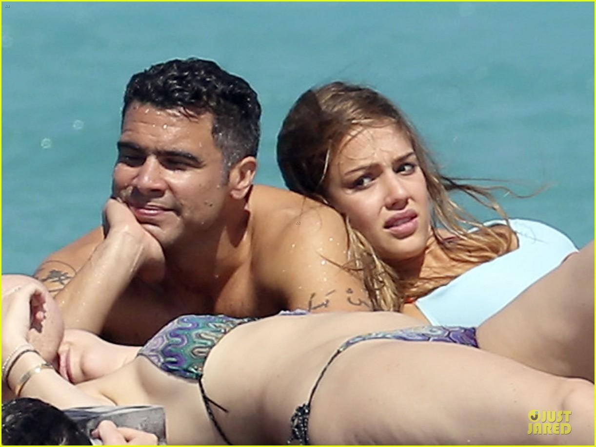 jessica alba st barts bikini babe with shirtless cash warren 272844146