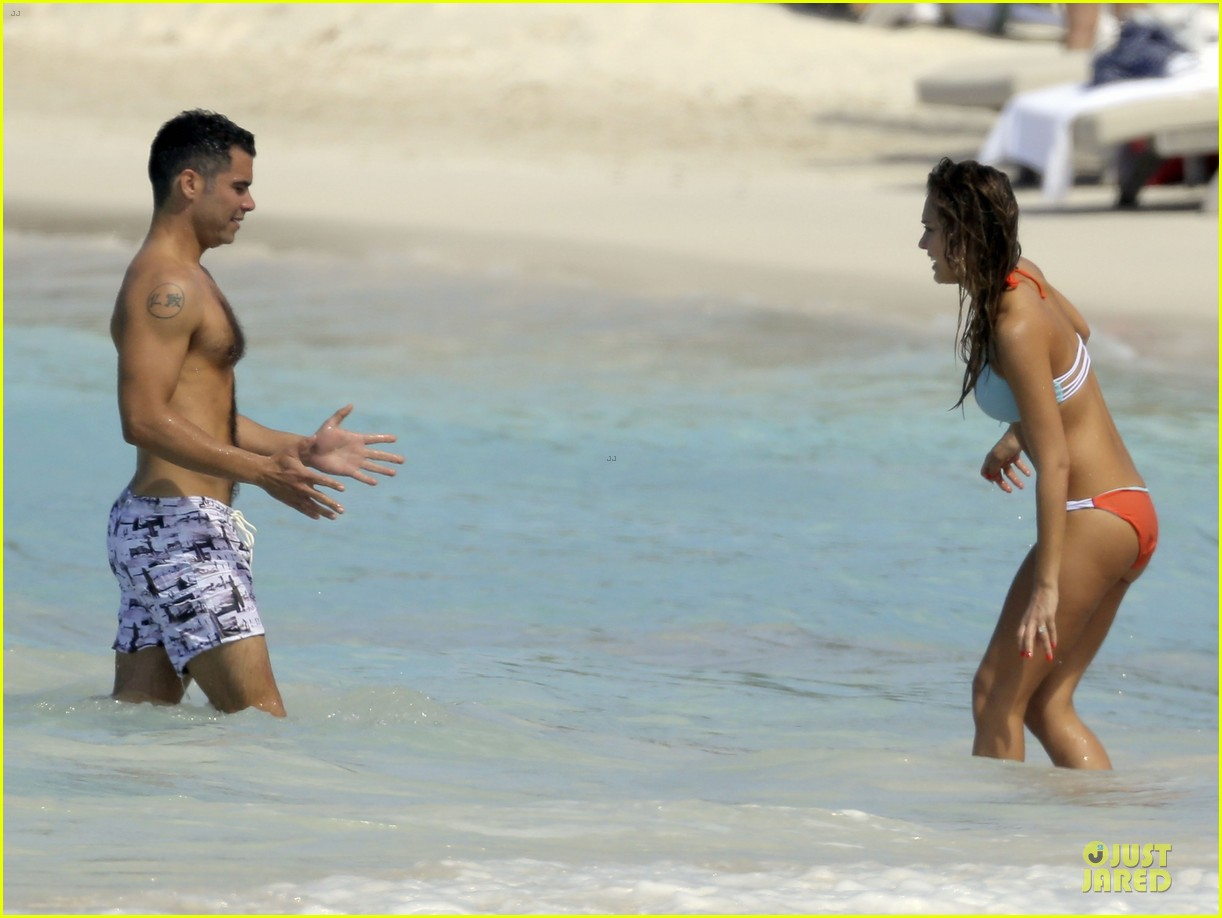 jessica alba st barts bikini babe with shirtless cash warren 37