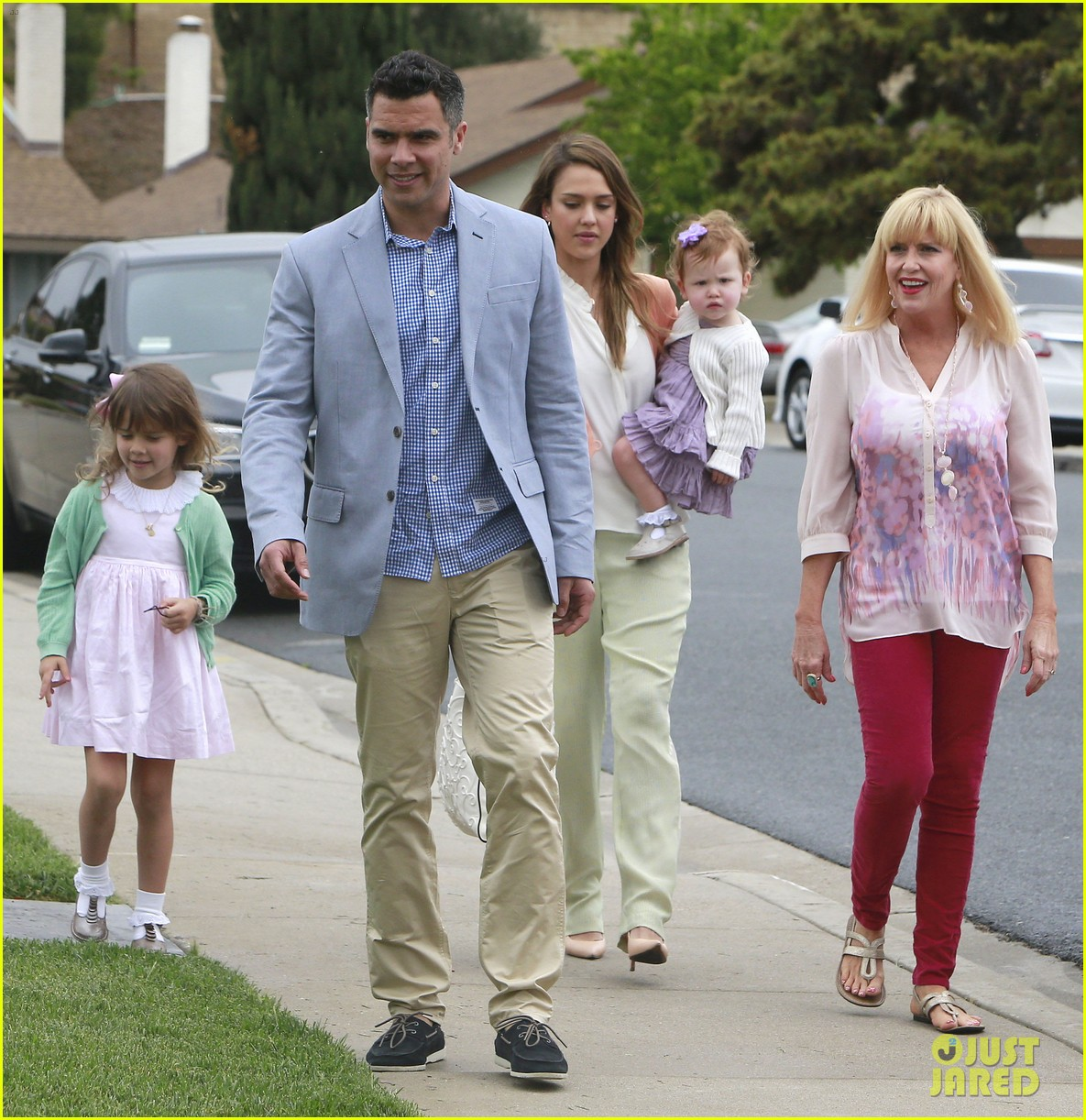jessica alba cash warren pastels on easter sunday 05
