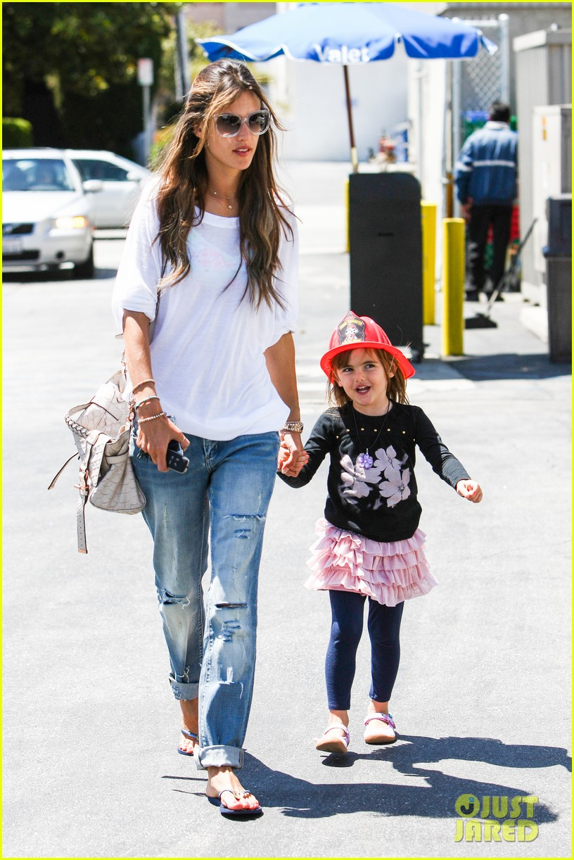 alessandra ambrosio anja ice cream treat 132853544