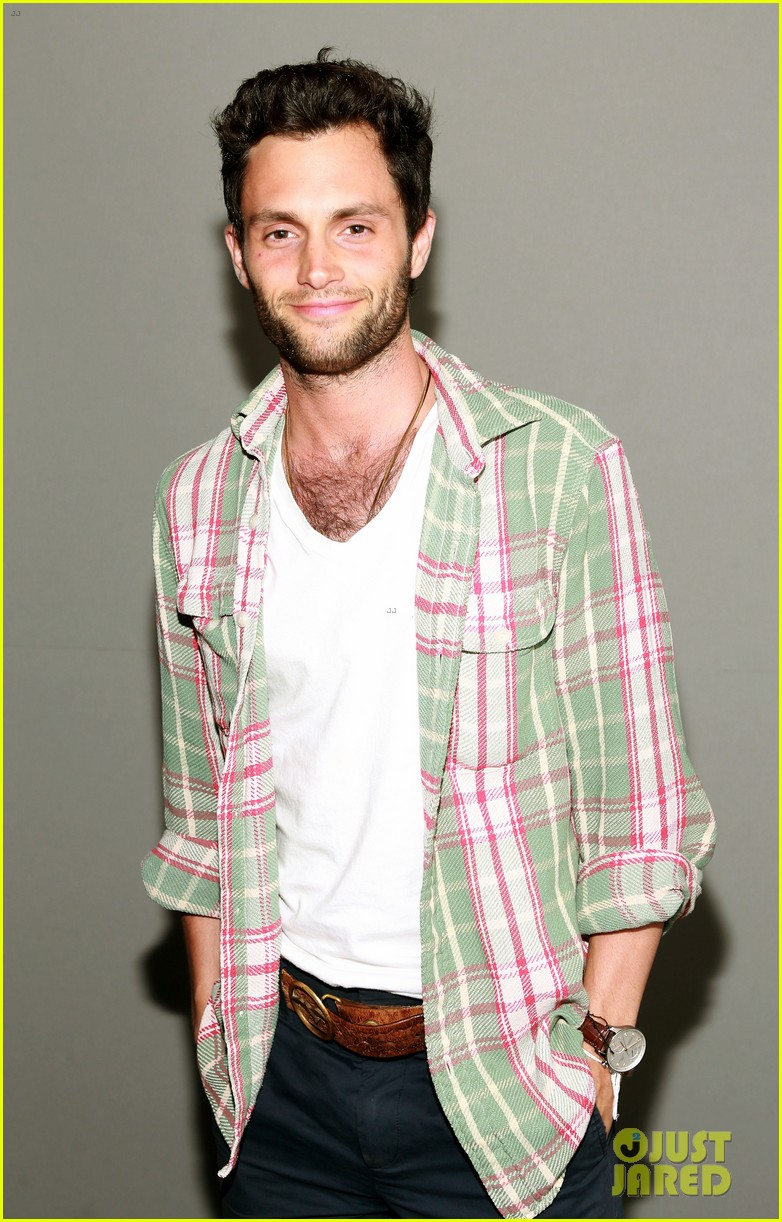 penn badgley greetings from tim buckley apple event 05