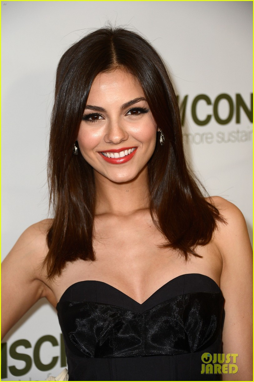 penn badgley victoria justice hm collection launches 14