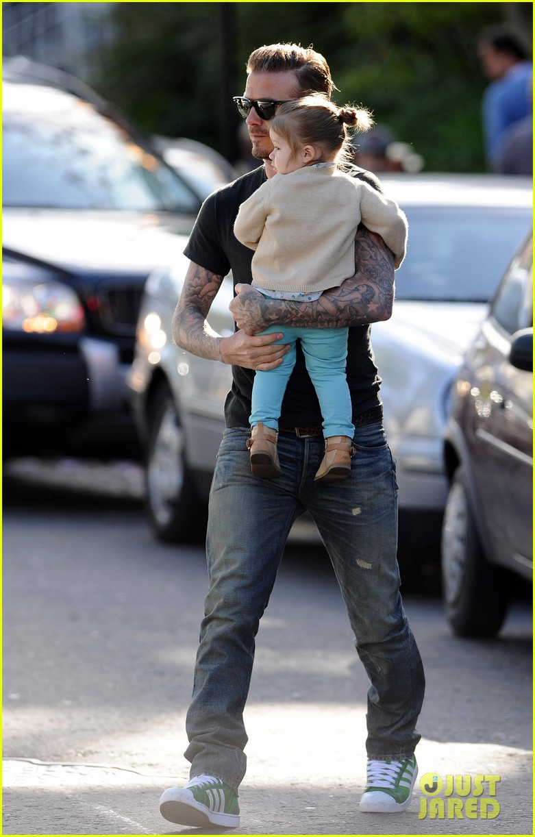 david beckham holds harper close 032861344