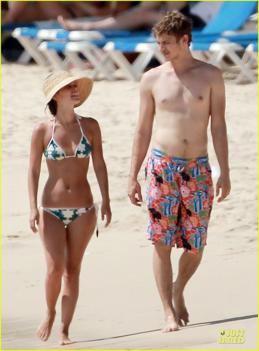rachel bilson bikini barbados babe with shirtless hayden christensen 01