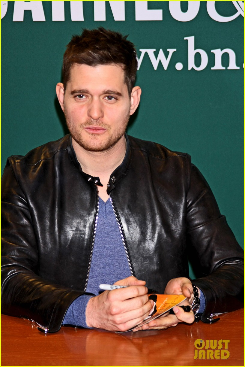 michael buble sings a capella in nyc subway watch now 08