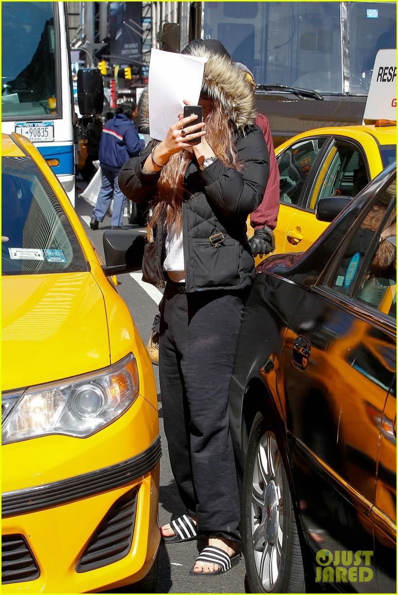 amanda bynes birthday smiles in new york city 08