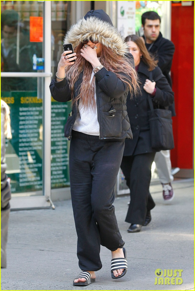 amanda bynes birthday smiles in new york city 13