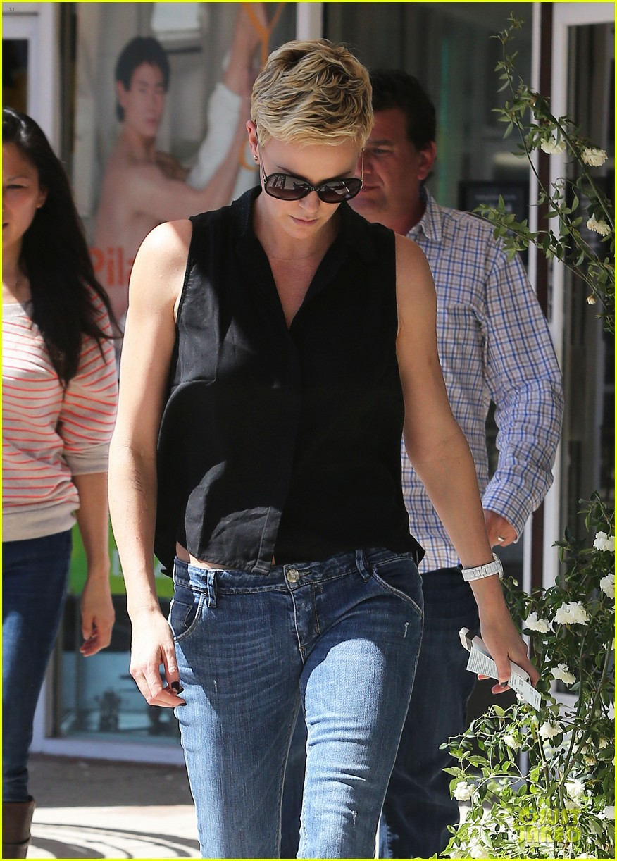 charlize theron 3.8 million la house sale 072846405