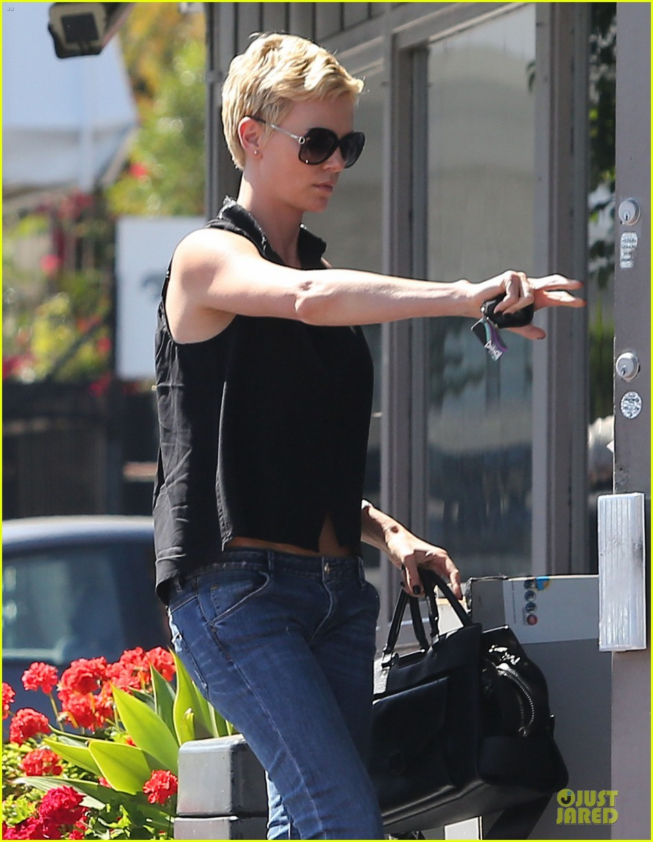 charlize theron 3.8 million la house sale 102846408