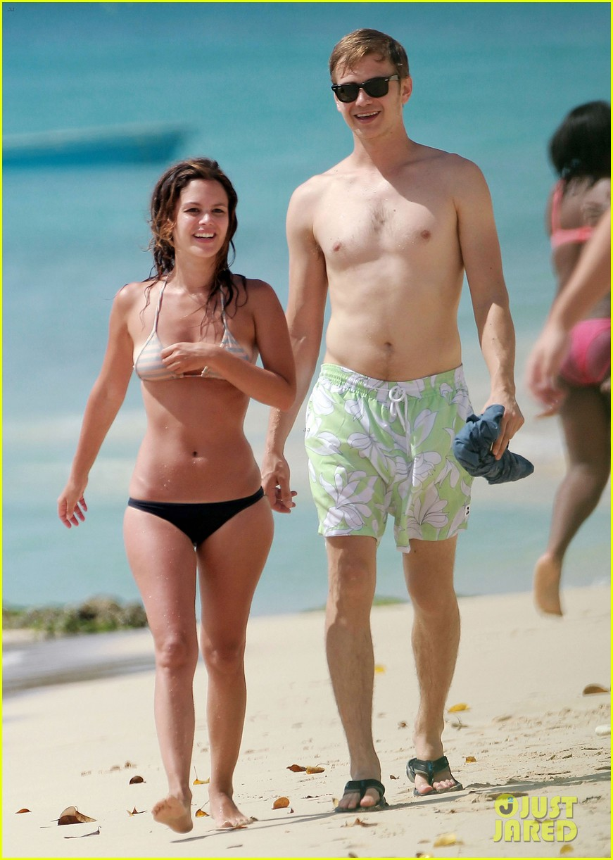 hayden christensen shirtless beach time with rachel bilson 13