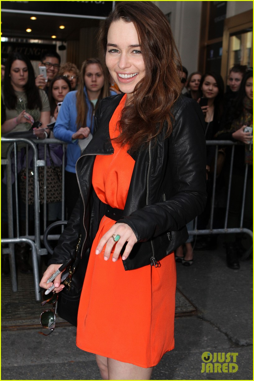 emilia clarke breakfast at tiffanys weekend shows 08