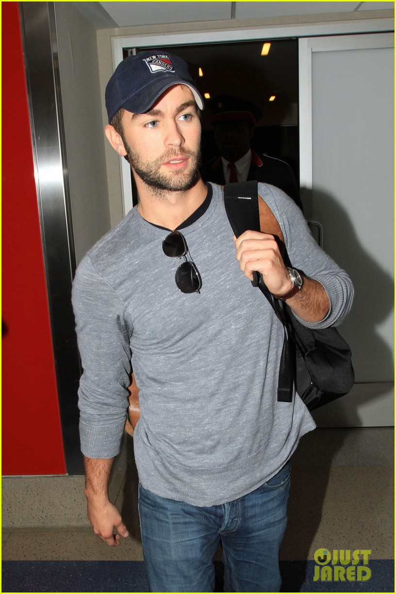 chace crawford los angeles arrival 03