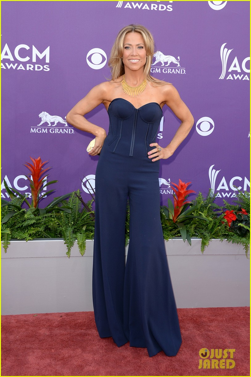 sheryl crow acm awards red carpet 2013 01