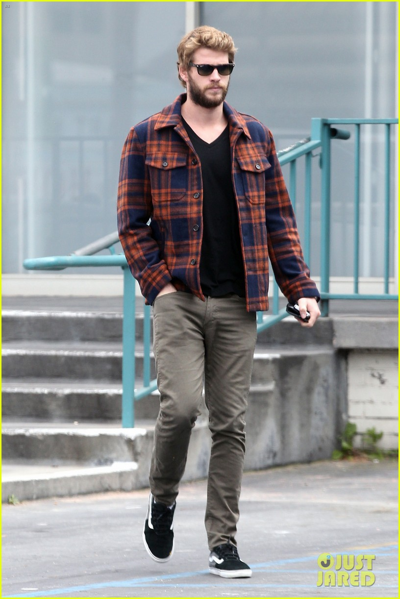 miley cyrus goes to photo shoot liam hemsworth grabs bite to eat 03
