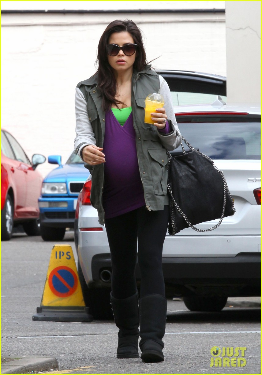 jenna dewan baby bumpin through london 10