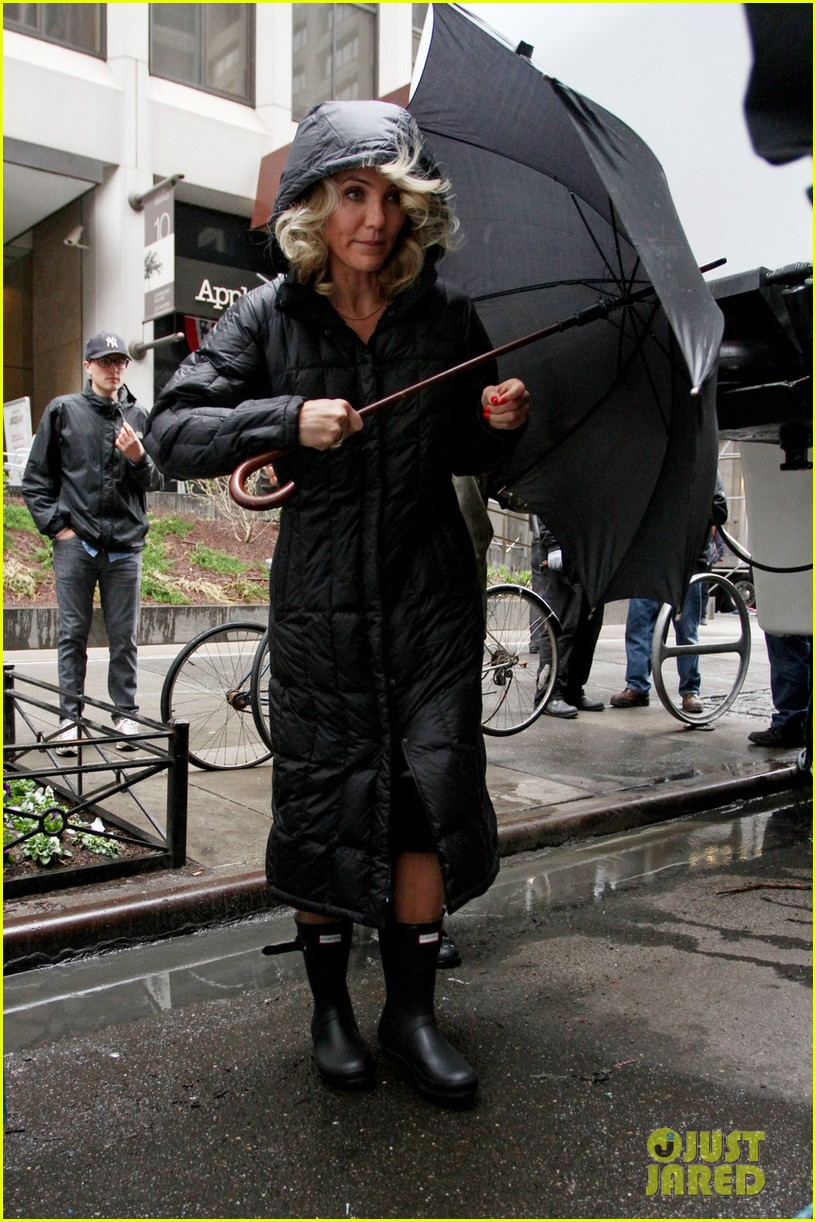 cameron diaz rainy other woman set with leslie mann 01