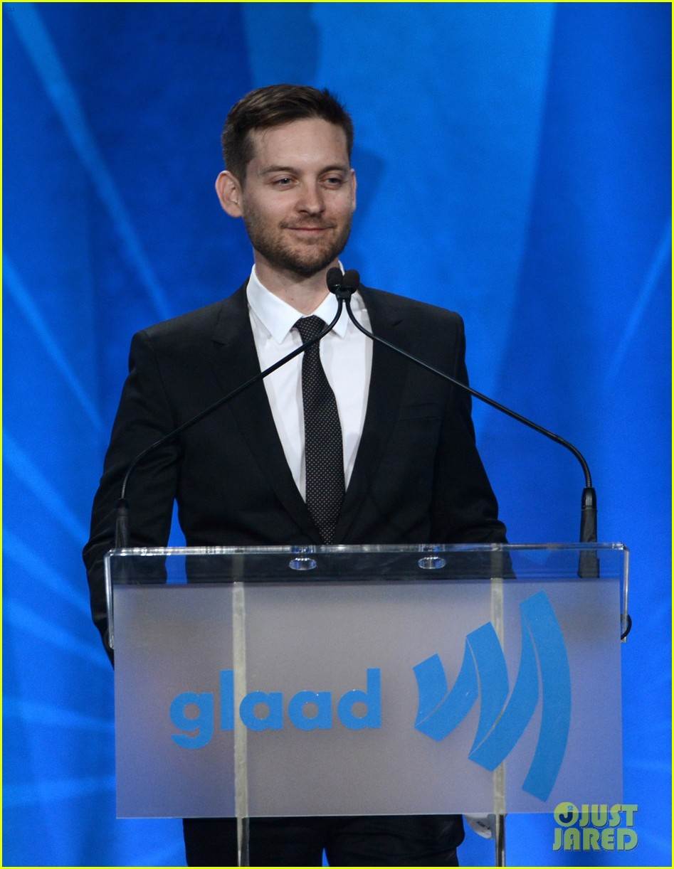 leonardo dicaprio tobey maguire glaad media awards 2013 11