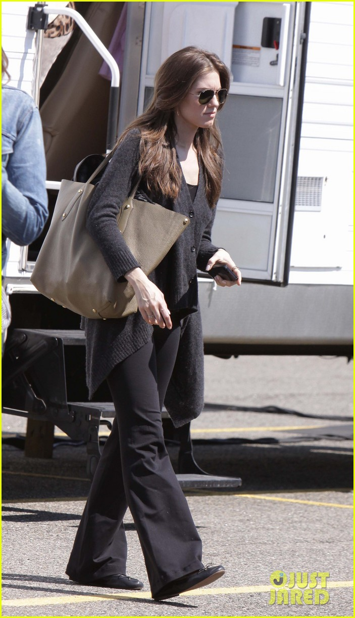 lena dunham allison williams girls set on location 04