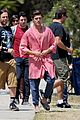 zac efron striped robe on townies set 01