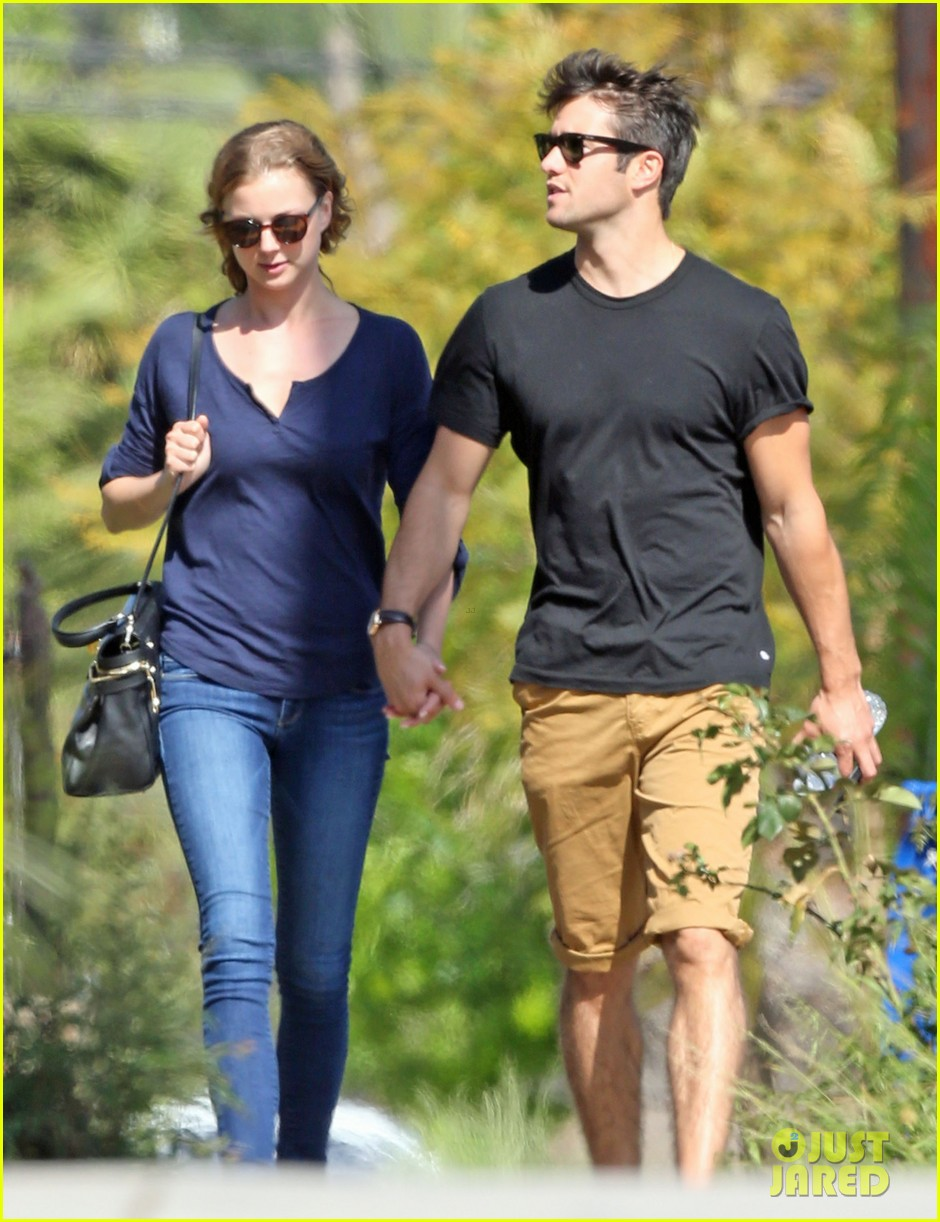 emily vancamp joshua bowman lunching lovebirds 062859128