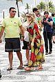 fergie pregnant brazilian beach stroll 22