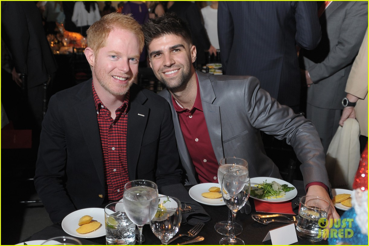 jesse tyler ferguson good shepherd services spring party 08