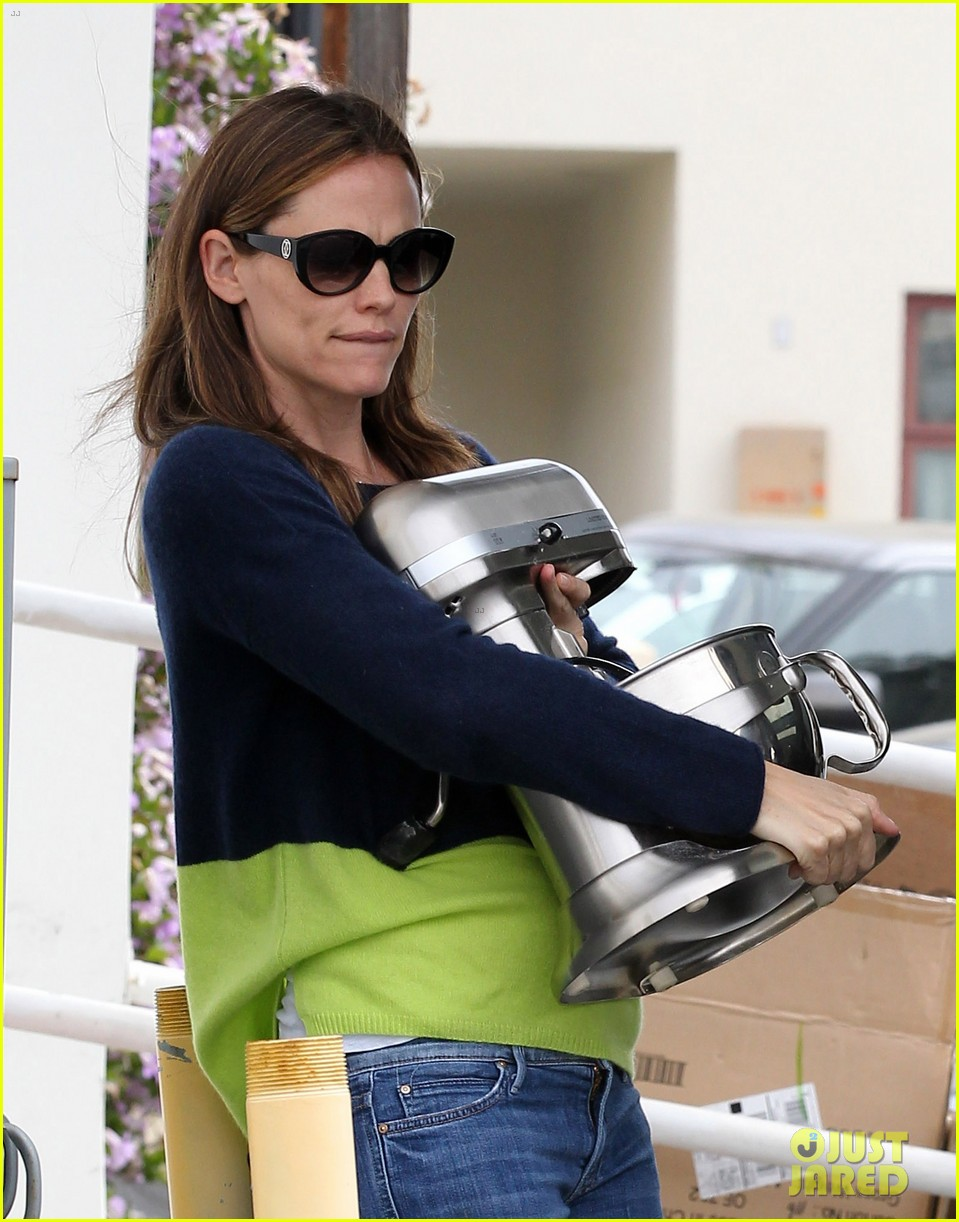jennifer garner ben affleck weekend shopping with the girls 02