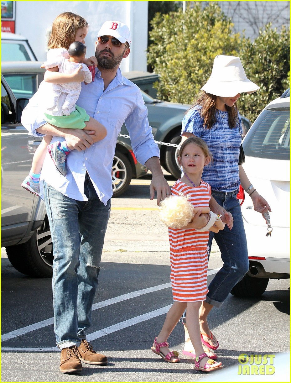 jennifer garner ben affleck weekend shopping with the girls 102855028