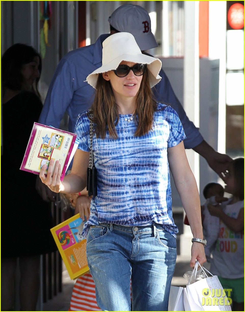 jennifer garner ben affleck weekend shopping with the girls 17