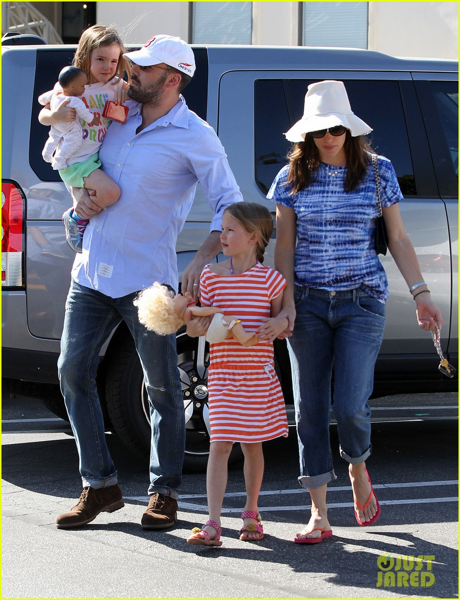 jennifer garner ben affleck weekend shopping with the girls 27