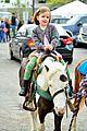 jennifer garner farmers market trip violet seraphina 09