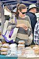 jennifer garner farmers market trip violet seraphina 24